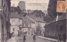CPA 37 @ CHATEAURENAULT @ La Rue De La République - Café Jahan - Diligence - Autres Communes