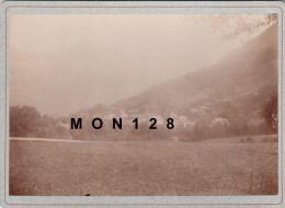 SAINT GERVAIS (74)-PHOTO DE 1894-VUE GENERALE-TIRAGE ALBUMINE COLLE SUR CARTON 18X13 CMS - Antiche (ante 1900)