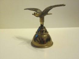 Petite Mouette En Vol , Bronze Et Laiton ,clochette - Bells