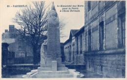 CPA PARTHENAY - LE MONUMENT AUX MORTS POUR LA PATRIE A L'ECOLE NORMALE - Parthenay