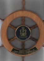 Pakistan Navy - Roue Offerte Par Captain Hameed - Dans Un Grand Coffret -  - 33 Cm X 33 Cm - Marine - Boten