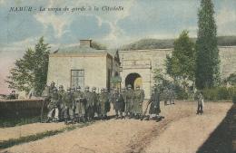 Namur - Le Corps De Garde à La Citadelle - Groupe De Soldats -1928 ( Voir Verso ) - Casernas