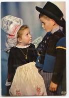 En Bretagne - Couple D'Enfants De PONT-AVEN - écrite Non Timbrée - 2 Scans - Pont Aven