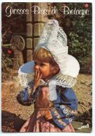 Grosses Bises De Bretagne - Fillette En Costume De FOUESNANT - écrite Non Timbrée - 2 Scans - Portraits