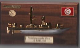 Marine Tunisienne - Plaque Demi-coque Laiton Patrouilleur Himilcon - 27 Cm X 15 Cm - Navy Tunisie - Boten