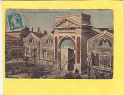 CPA - THUIR -  Porte Monumentale Des Etablissements VIOLET Frères - Carte Toilée Couleur - Autres Communes