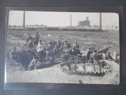 AK / Echtfoto 2. WK Soldaten Im Schützengraben Mit Maschinengewehr!! C. Jungenhag Uerdingen - Guerre 1939-45
