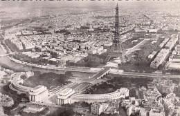 Thématiques 75 Paris Tour Eiffel Vue Aérienne Ecrite Timbrée 12 05 1953 Cachet Mettez Le Timbre En Haut Et à Droite De L - Tour Eiffel