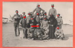 Libia Militari Ufficiali E Soldati  Sanità Con Frate - Croce Rossa  Accampati Nel Deserto - Guerra, Militari