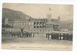 MCS3- MONACO  La Place Du Palais Revue Des Carabiniers  Le Jour De La Fête Du Prince - Prince's Palace