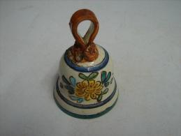 Cloche. 3. Cloche En Faïence Décor De Taormina - Bells