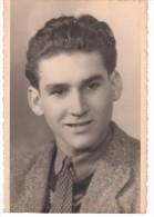 Photo Originale Portrait - Jeune Homme  Souriant  En Pull Et Cravate - Années 60 - Mode - Personas Anónimos