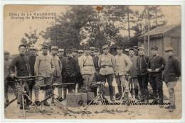 CAMP DE LA VALBONNE - SECTION DE MITRAILLEURS - AIN 01 - CPA MILITAIRE - Matériel