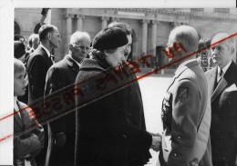 Obsèques Du Général Henri Zeller....Mme Zeller,le Gal Meltz Et Le Gal André Zeller... 1971 -  Photo - Geïdentificeerde Personen