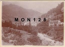 CAUTERETS (65) PHOTO DE 1895-VUE GENERALE -TIRAGE ALBUMINE COLLE SUR CARTON 18X13 CMS - Photographs