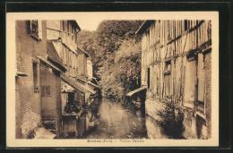 CPA Evreux, Vieilles Maisons Avec Fluss - Evreux