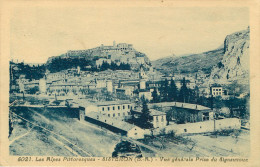 Dép 04 - Sisteron - Vue Générale Prise Du Signauvoux - Edit Rivière Bureau - état - Sisteron