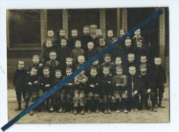 Photo De Classe Collée Sur Carton : écrit Au Verso Au Crayon De Bois :  école Littré Lille Année Scolaire 1910-1911 - - Photos