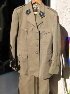 LÉGION ÉTRANGÈRE - TENUE DE SORTIE OFFICIER 1°REC - ANNÉES 60 - - Uniforms