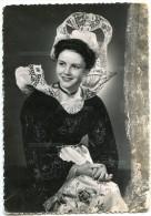 Reine De Cornouaille 1954 - Costume Et Coiffe De La Région De Quimperlé - écrite Et Timbrée - 2 Scans - Quimperlé