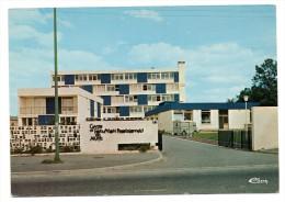 CPSM - ALENCON - LE CENTRE DE FORMATION PROFESSIONNEL DES ADULTES - CITROEN TUB - Coul - Ann 70 - - Alencon