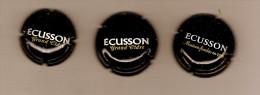 """LOT RARE DE 3 Capsules CIDRE ECUSSON Grand Cidre  """"petit""""  Et """" Normal""""  + Maison Fondée En 1919// Blanc Or Sur Fond Noi - Other"""