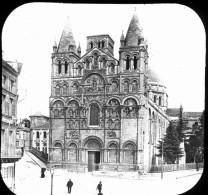 V0335 - CHARENTE - ANGOULEME - La Cathédrale - Plaques De Verre