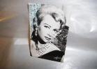 MARTINE CAROL PHOTO HARCOURT AVEC VERITABLE AUTOGRAPHE DE FORMAT 9 X 14 Cm - Autographes