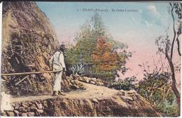 REUNION   CILAOS   LA CHAISE A PORTEURS     (EDIT AMPHOUX) - La Réunion