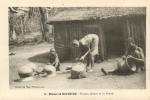 CAMEROUN  MISSION DE  NJOUBENG FEMMES FAISANT DE LA POTERIE - Camerún
