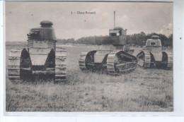 Militaire -  Photo De Trois Chars Renault Sur Un Terrain De Manoeuvre - Guerre 1914 - 1918 - CPA N° 1 - Matériel