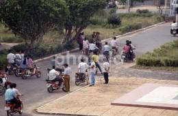 70s 4 ORIGINAL AMATEUR 35 Mm POSITVE PHOTOS PHNOM PEN CAMBODIA ASIA  SOCCER STREET SCENE MOTORCYCLE - Other