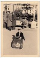FOTOGRAFIA - BAMBINO SU AUTOMOBILINA A PEDALI - Formato Cm. 7 X 10,5 Circa - Oggetti