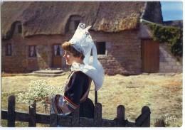 La Bretagne - Chaumière Bretonne Et Jeune Fille En Coiffe Et Costume De PONT-AVEN - écrite Et Timbrée - 2 Scans - Pont Aven