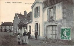 71 - St-Yan - Le Bureau De Poste (facteurs) - Other Municipalities