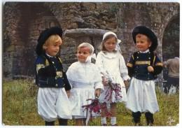 Bretagne En Couleurs - Sourire De Bretagne - Enfants En Costume De Cornouaille - écrite Non Timbrée - 2 Scans - France