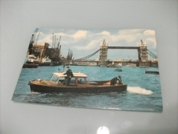 NAVE SHIP RIVER POLICE AT TOWER BRIDGE LONDON U.K. - Polizia – Gendarmeria