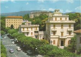 O177 Fiuggi Fonte (Frosinone) - Corso Nuova Italia E Panorama - Auto Cars Voitures / Viaggiata 1965 - Altre Città
