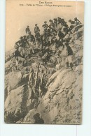 Chasseurs Alpins - Vallée De L' UBAYE - Halage D'une Pièce De Canon - Superbe Plan Animé - 2 Scans - Militaria