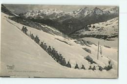 Chasseurs Alpins - Nos Alpins Gravissant Un Col - Superbe Plan Animé - 2 Scans - Régiments