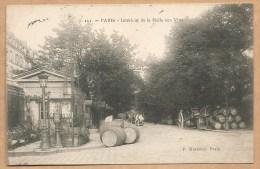111 - PARIS - Intérieur De La Halle Aux Vins - Voyagée 1905 - TONNEAU - Métier - VIN - Paris (12)