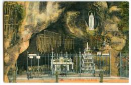 LOURDES - La Grotte - Colorisée - Non écrite - 2 Scans - Lourdes