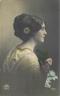 DIVERS 715  CPA    Femme   Portrait   Belle Carte - Women