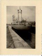 SAINT MALO PHOTO PORT SORTIE DU BATEAU ALLEMAND GUNDULA DE HAMBOURG 08.1957 - Steamers