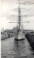CPA SAINT-MALO 35 - Sortie Du Bassin - Saint Malo