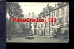 "15 Cantal - MAURIAC - "" Place Gambetta - Monument Aux Morts - BERNARD Aubergiste Et Café "" - Mauriac"