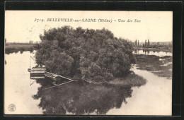 CPA Belleville-sur-Saône, Une Des îles, Une Barque Et Un Bateau Un Peu Plus Grand Ont Accosté - France