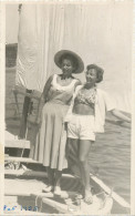 REAL PHOTO, Hat Women Shorts On Sailboat On Beach, Femmes  Sur Plage  , Old  ORIGINAL - Photos