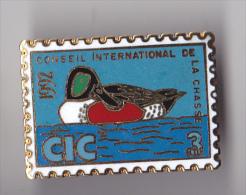 PIN´S  THEME CONSEIL INTERNATIONAL DE LA CHASSE  GIBIER D'EAU 1992 - Dieren
