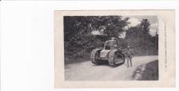 02 -SOISSONS - WW1 - GUERRE 14-18 - UN TANK D'HARTENNE PRES DE ... - Soissons